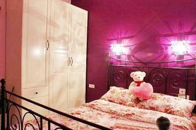 房屋装修粉色墙纸